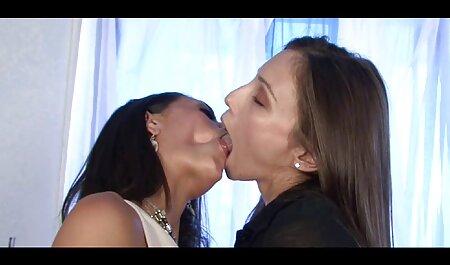 Luna Mikami với hình xăm clip sec may bay ba gia đít được boners trong miệng và